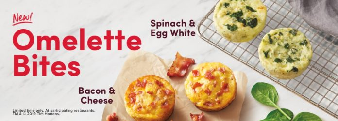spinach & egg white and bacon & cheese omelette bites side by side