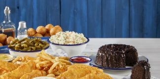 Long John Silver's Launched A New Triple Chocolate Fudge Cake, And You Can Get One For Free