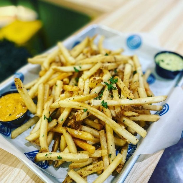 Dave & Buster's Adds New Mushroom Stout Burger And Garlic Parmesan Truffle Fries As Part Of 2021 Summer Menu