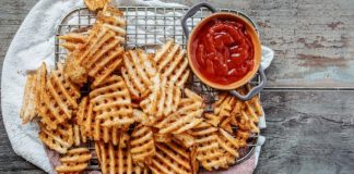 Logan's Roadhouse Adds New Waffle Fries And Boneless Wings As Part Of 2021 Summer Menu